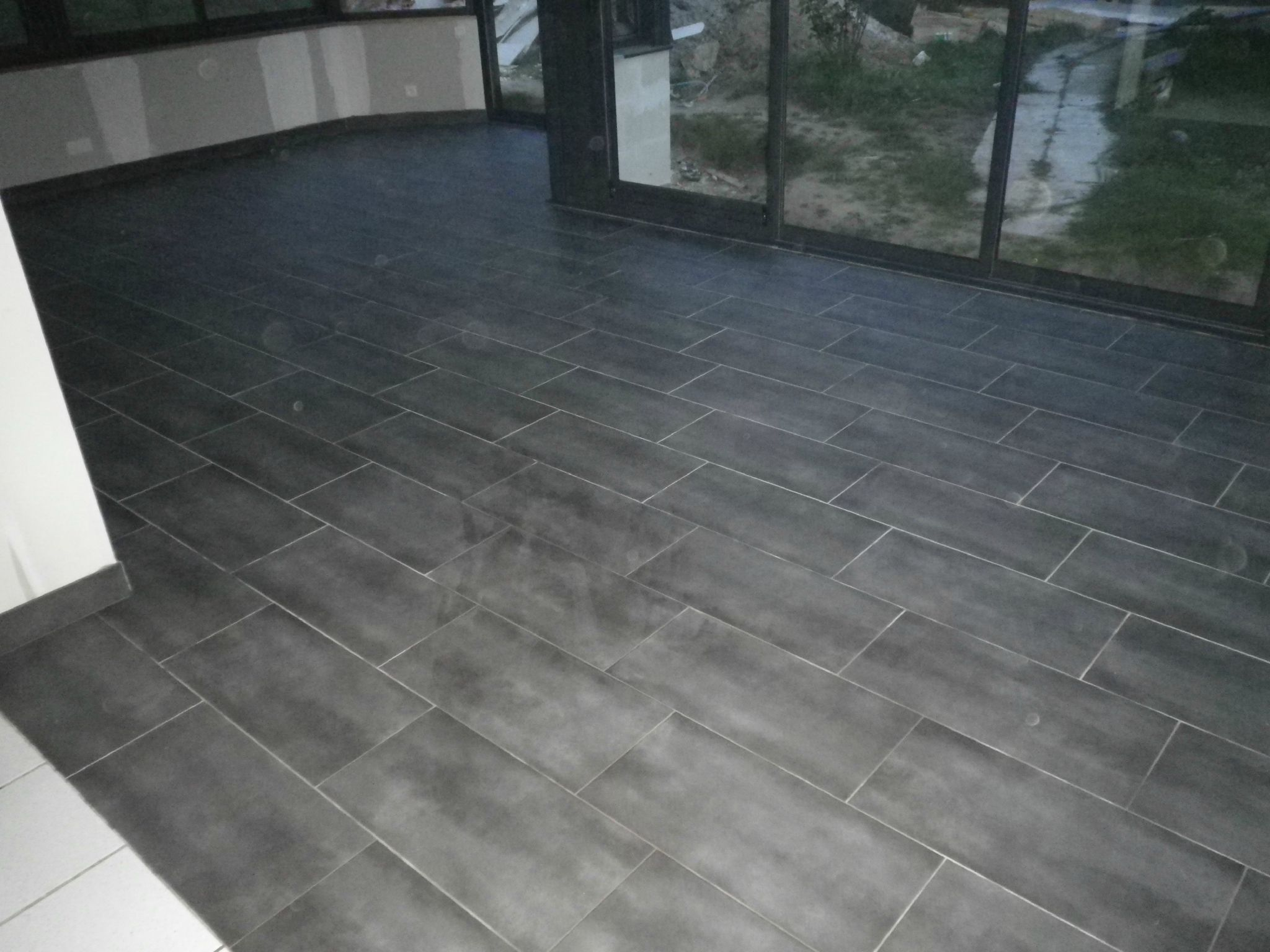 Comment poser du carrelage sur du carrelage affordable for Carrelage sans joint ni colle