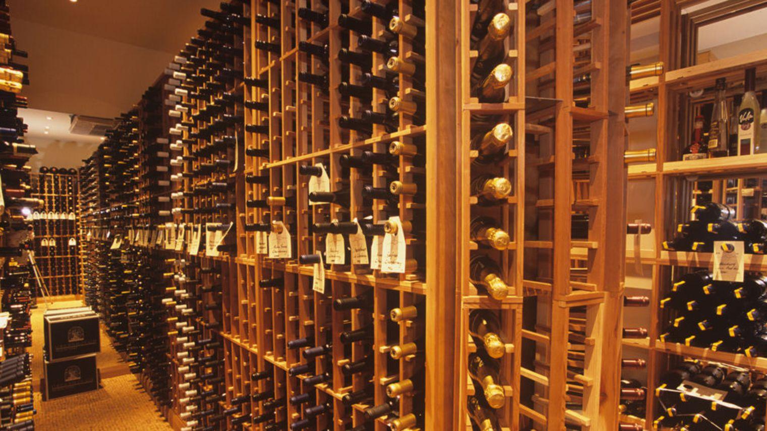 Je Lui Ai Offert Une Bouteille De Vin Saint Emilion